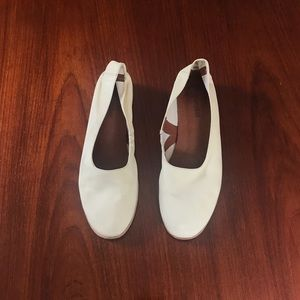 Cream colored glove shoes